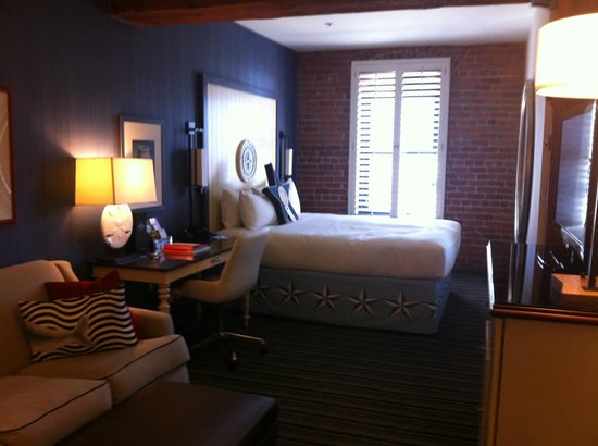 Argonaut Hotel, A Noble House Hotel: Harbor view room - great nautical theme