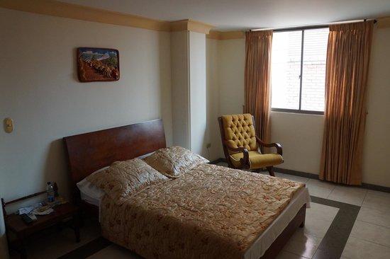 هوتل كالي بلازا: Bedroom