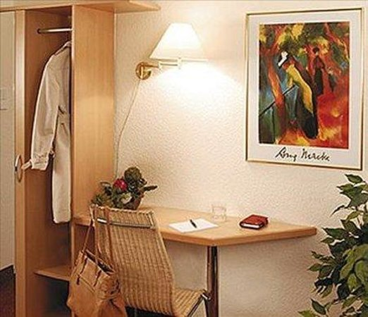 Hotel Central: Room