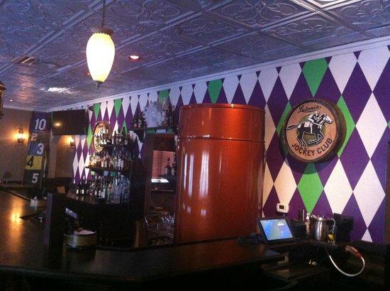Walt's Hitching Post: New bar