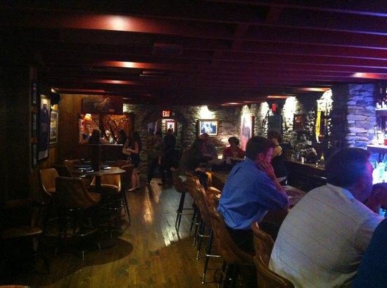 Walt's Hitching Post : Bar