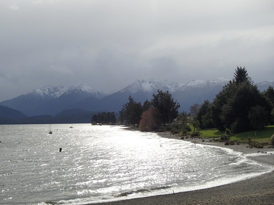 Te Anau Top 10 Holiday Park: Lake Teanau