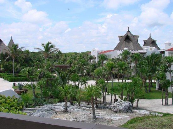 Kore Tulum Retreat and Spa Resort: Villa 6 and Gardens