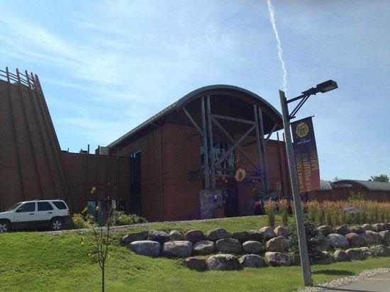 Hôtel-Musée Premières Nations : Facade de l'hôtel