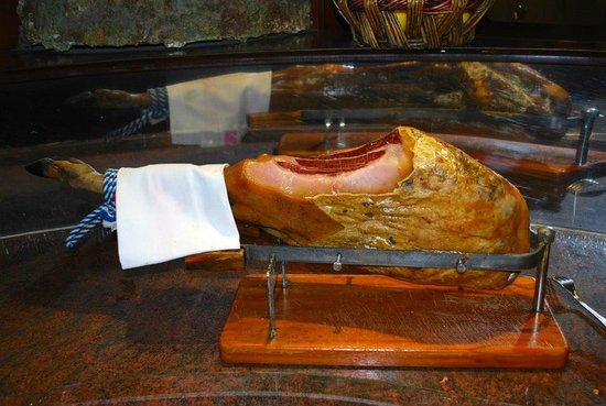 Hotel Crillon Centre Nice by HappyCulture: Spanish ham
