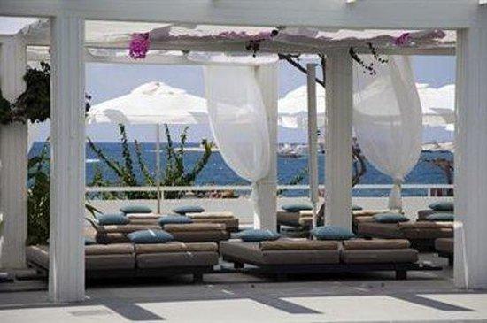 Almyra Hotel: Pool