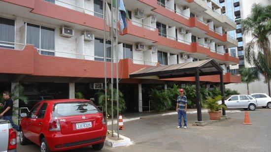 Bittar Plaza Hotel: Fachada do hotel