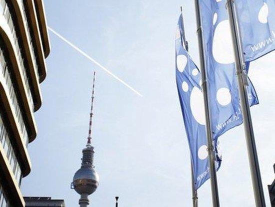 berlin alexanderplatz review book