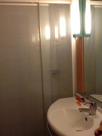Ibis Mendoza: Banheiro
