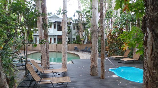 The Reef Retreat Palm Cove: The pool area