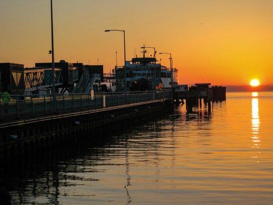 Best Western Plus Edmonds Harbor Inn : Edmund's Ferry Terminal
