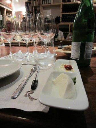Rimessa Roscioli: Mozzarella and burrata made that morning! So delish.