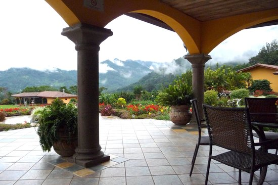 Los Establos Boutique Hotel: view from the patio