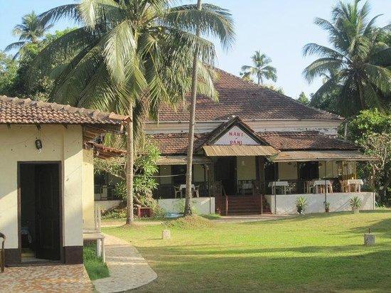 Nani's & Rani's Resto-Bar & Hotel