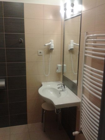 Paprika M1 Hotel: Bad