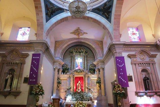 Templo y ex-convento de la Santa Cruz de los Milagros : Interior Templo de la Santa Cruz.