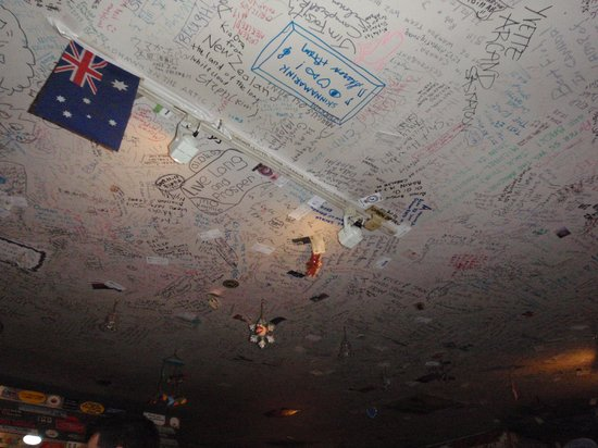 Bullocks' Bistro: Ceiling