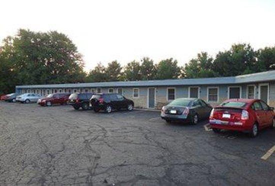 Pine Ridge Motel : Untitled