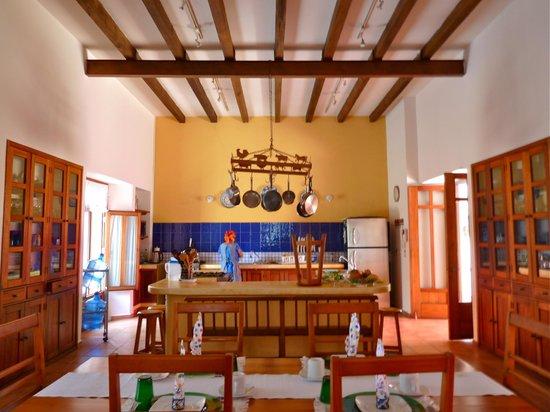 Casa De Los Milagros Bu0026B: Kitchen U0026 Breakfast Area