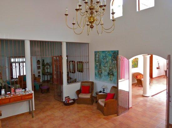 Casa de los Milagros B&B: Entrance / Foyer