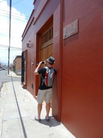 Casa de los Milagros B&B : Entrance / Front door