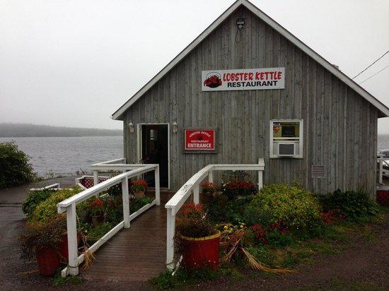 Lobster Kettle Restaurant: exterior