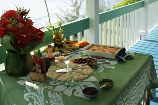 Hale Kai Hawaii Bed & Breakfast: Beautifully presented breakfasts