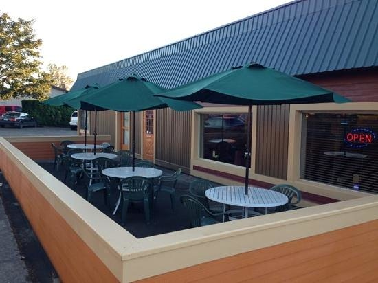 Wong's King: New outdoor seating