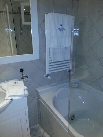 Villa Mary Suites: Bathroom