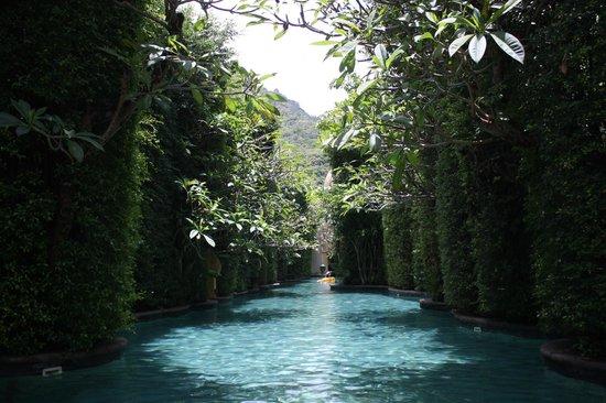 The Baray Villa: awesome jungle swimming river