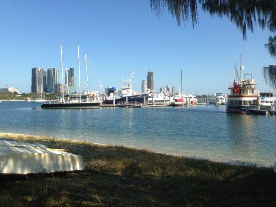Rays Resort Apartments : Boating and day cruises are plentiful at Marina Mirage, 5 minutes away - Tony Scott