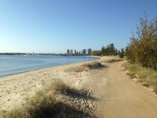 Rays Resort Apartments : Beautiful beachside walkways along the Broadwater at Southport, Gold Coast - Tony Scott