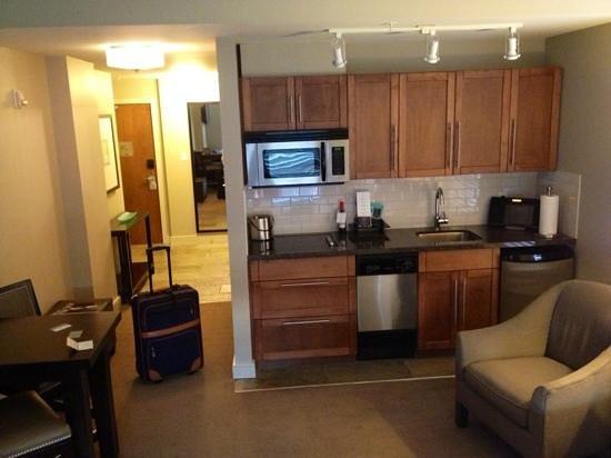 The Oswego Hotel : studio kitchen