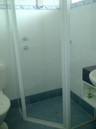 Acacia Motel: Shower only
