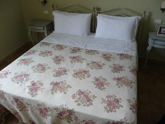 Villa Ketty Resort: THE BED