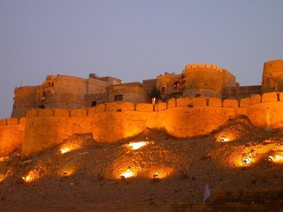 Hotel Rose Villa: Jaisalmer Fort - View from Hotel Roof !!