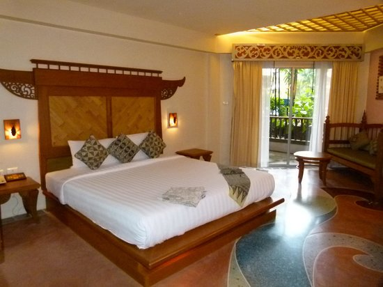 Aonang Princeville Resort: Big bed