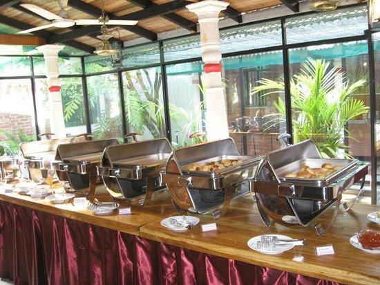 Nooit Gedacht Heritage Hotel: Breakfast Buffet