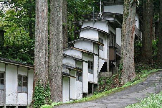 Mt. Haguro: Saikan Corridor