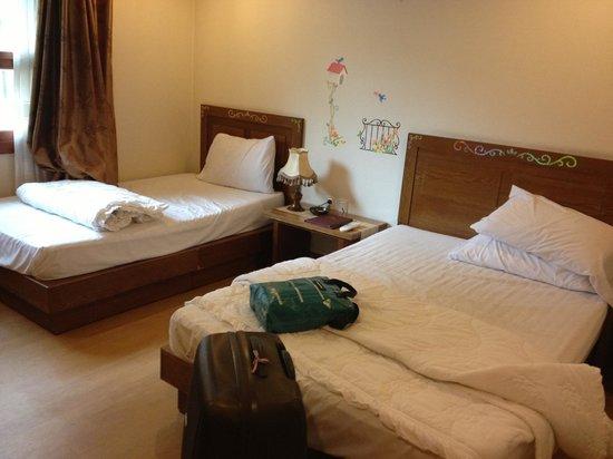 December Hotel Jeju: Twin beds