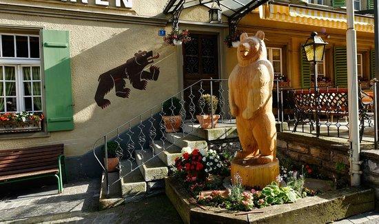 Hotel Bären: Empfang durch unseren Bären