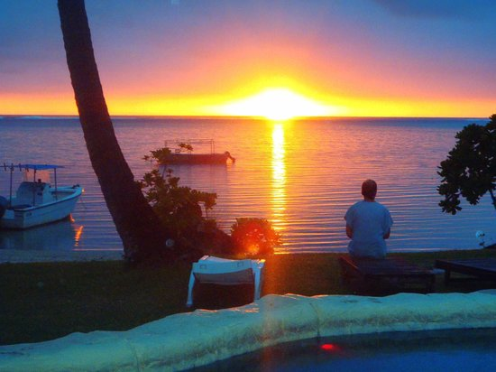 Mango Bay Resort Fiji: Typical sunset, but you've gotta be quick...