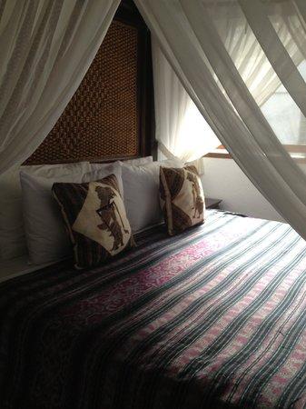 Jimbaran Bay Beach Residence : bedroom with balcony