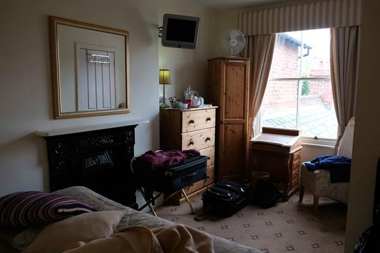 Chester Brooklands Bed and Breakfast: Good room size.