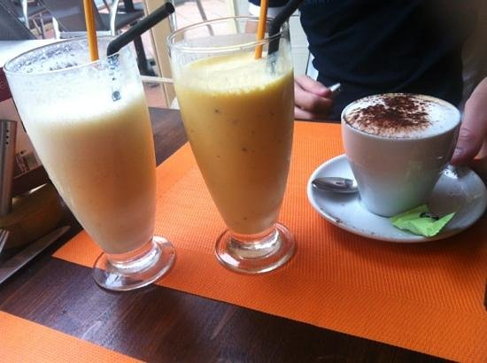 Bilgola Cafe : smoothie et cappucino