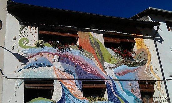Casa El Pelaire : fachada estilo Gaudi