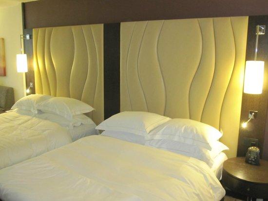 Hilton Vienna Danube Waterfront: 2 camas de 140cm
