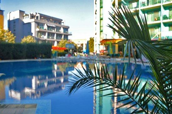 Diamond Hotel: Basen
