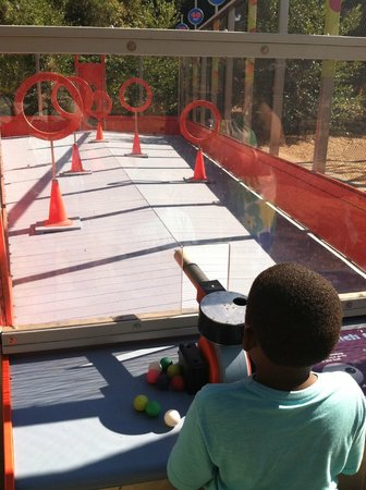 Kidspace Children's Museum : Another outdoor activity shooting balls through hoops.