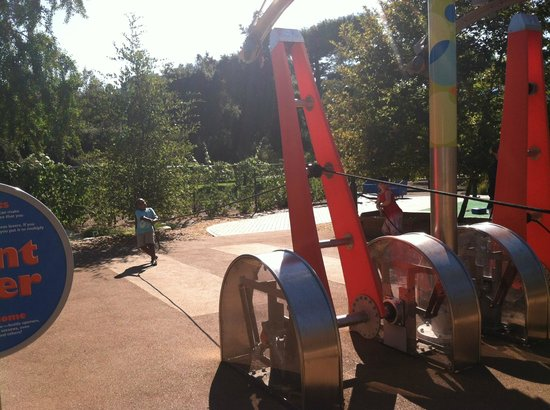 Kidspace Children's Museum: outdoor activity - physics